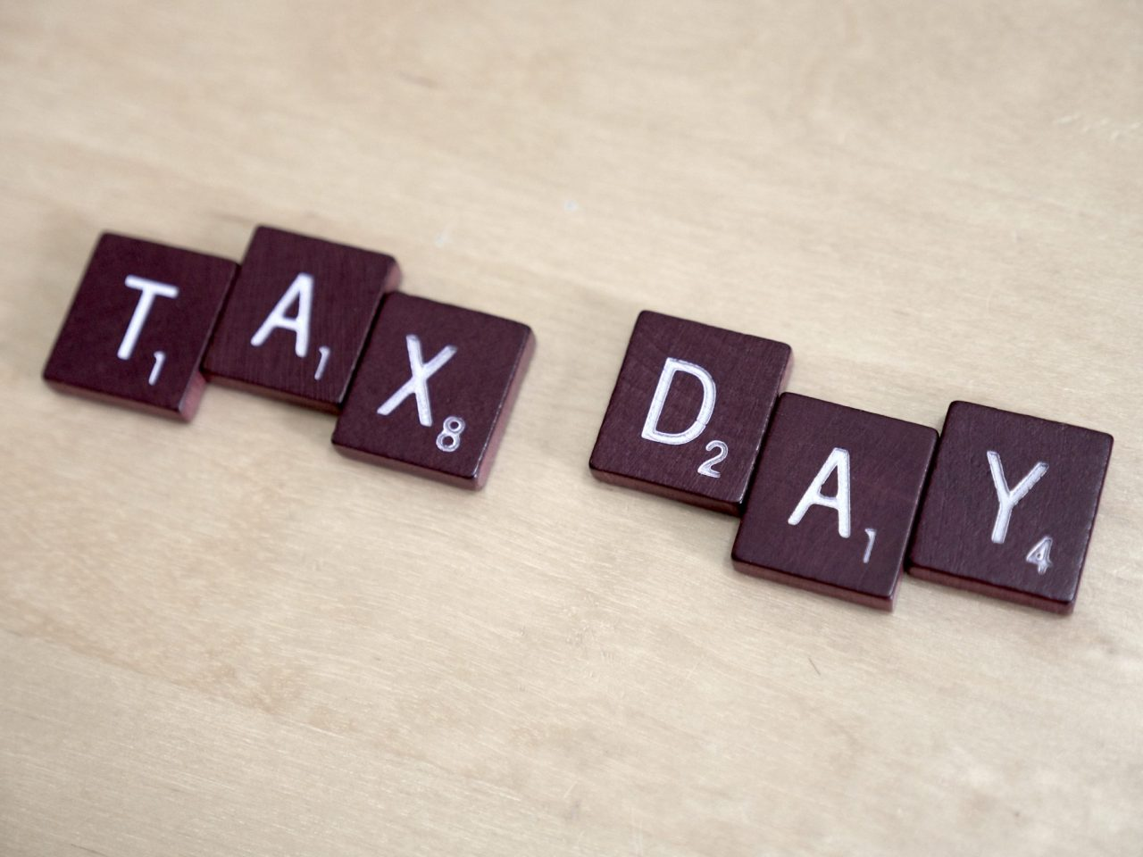 10 Great Tax Day Deals