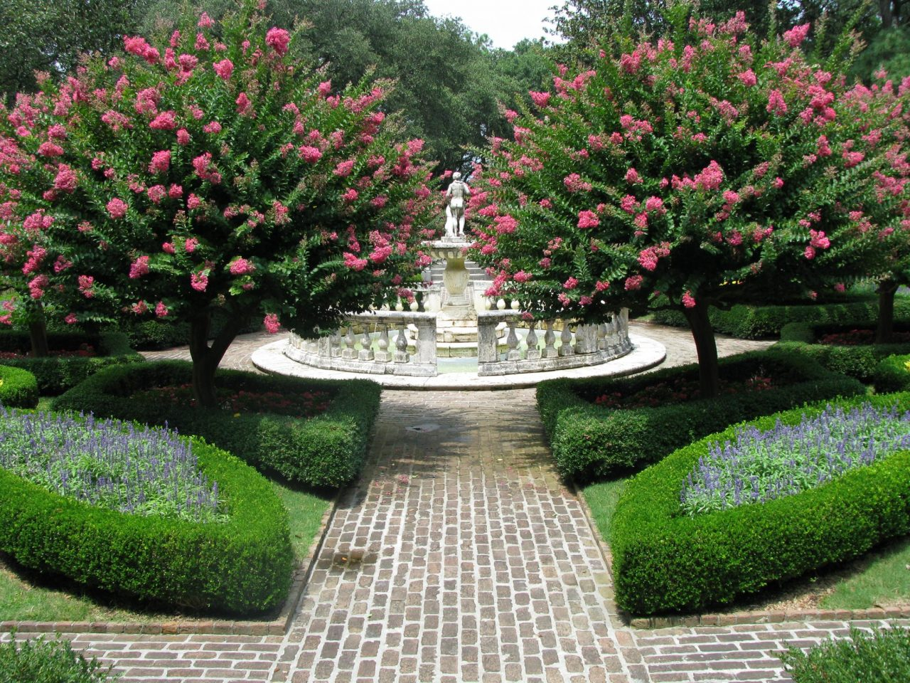 Five Fabulous Gardens in America