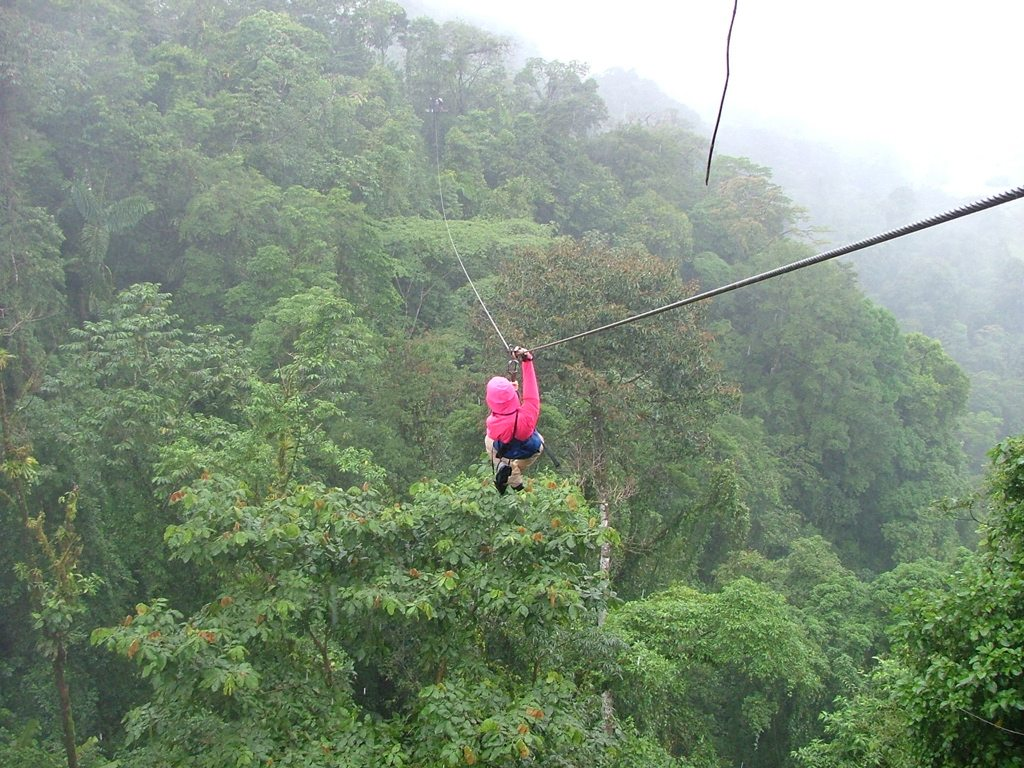 5 Great Places to Zipline in America