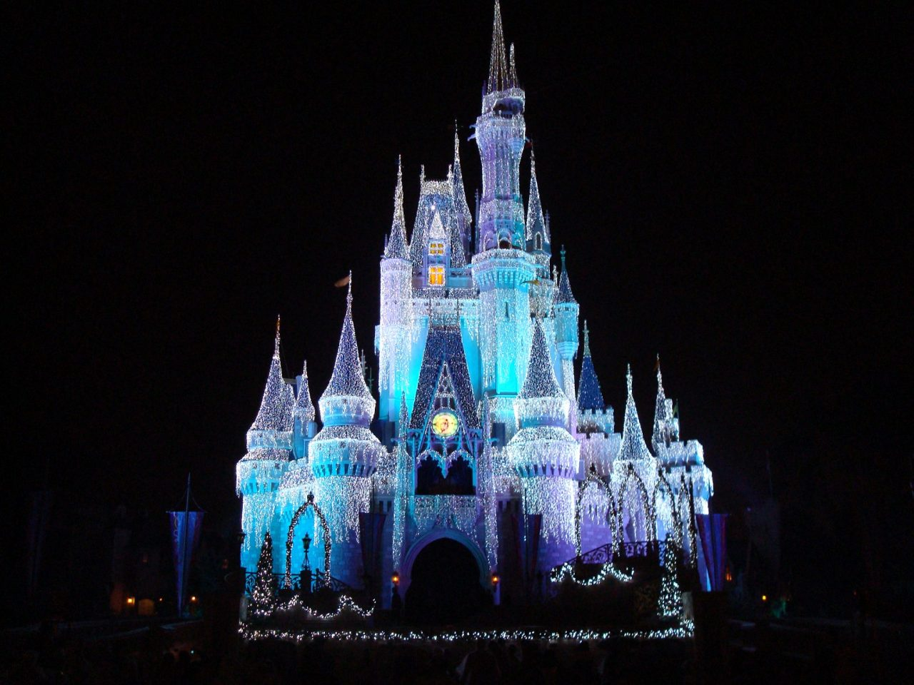 The 10 Best Apps to Help You Maximize the Disney Magic