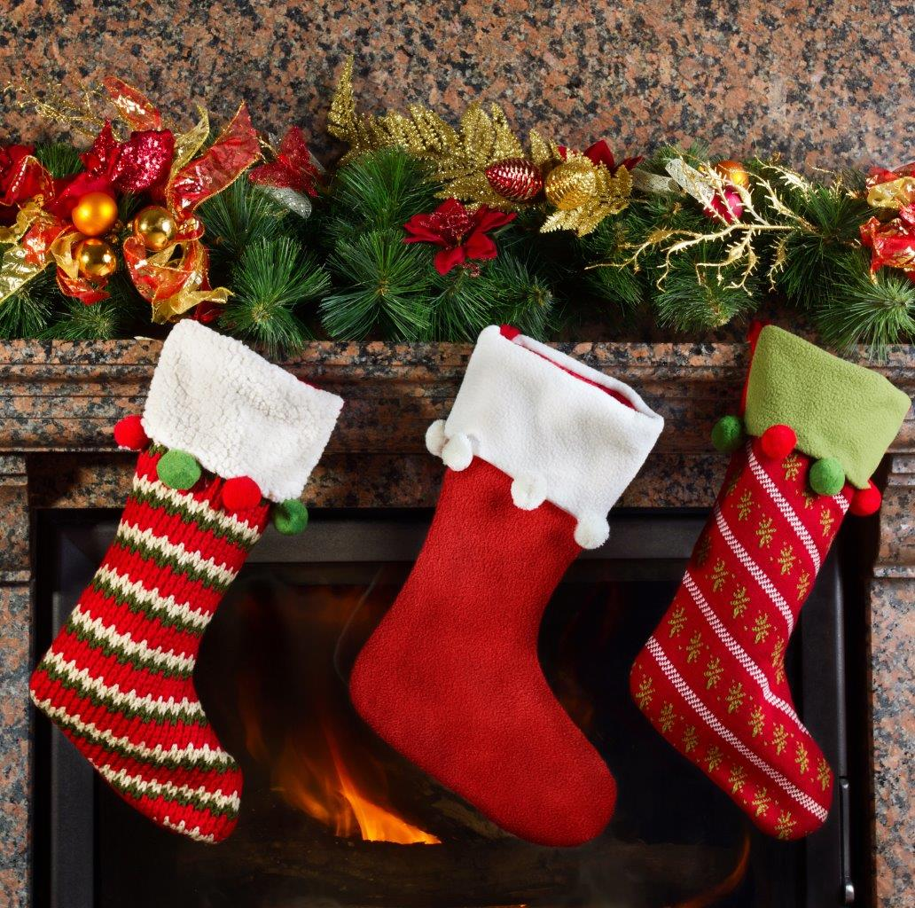6 Best Stocking Stuffers for Travelers
