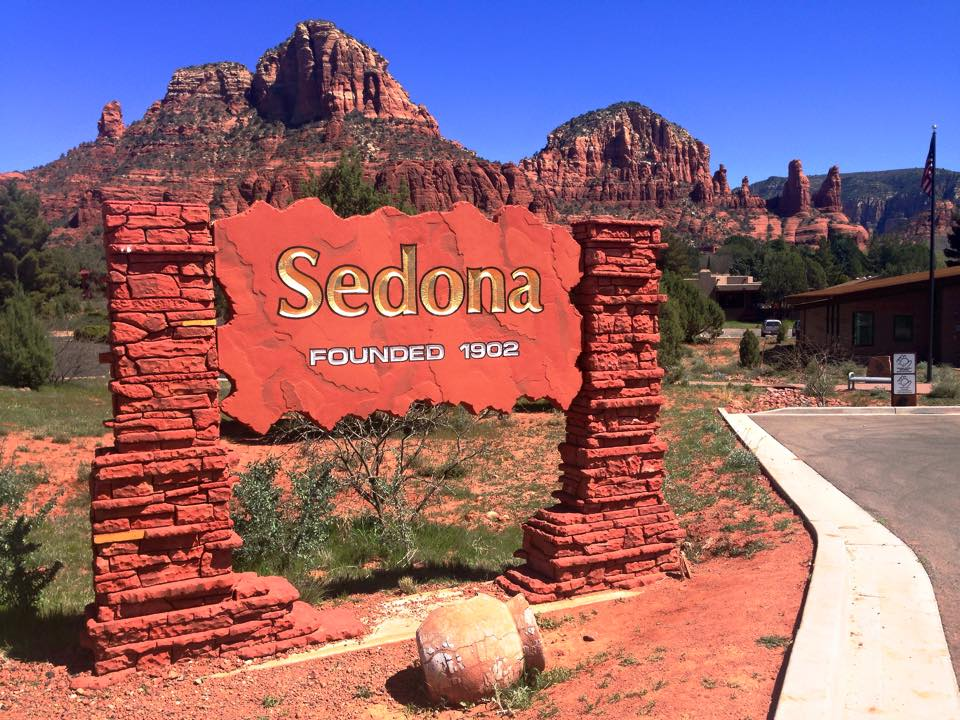 Sedona Sign & Rocks