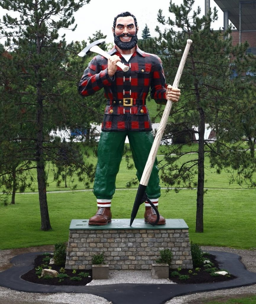 World's Largest Paul Bunyan Statue