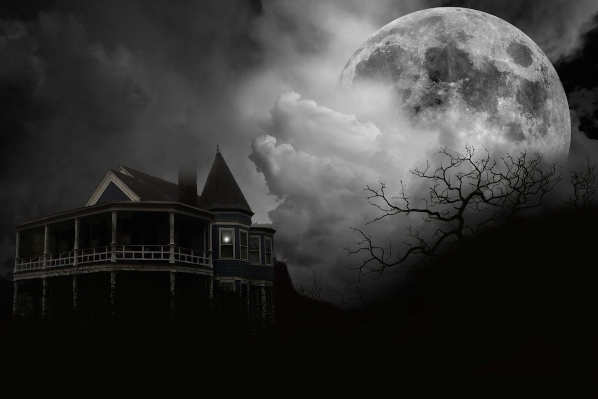 Scariest Haunted Houses in the U.S.