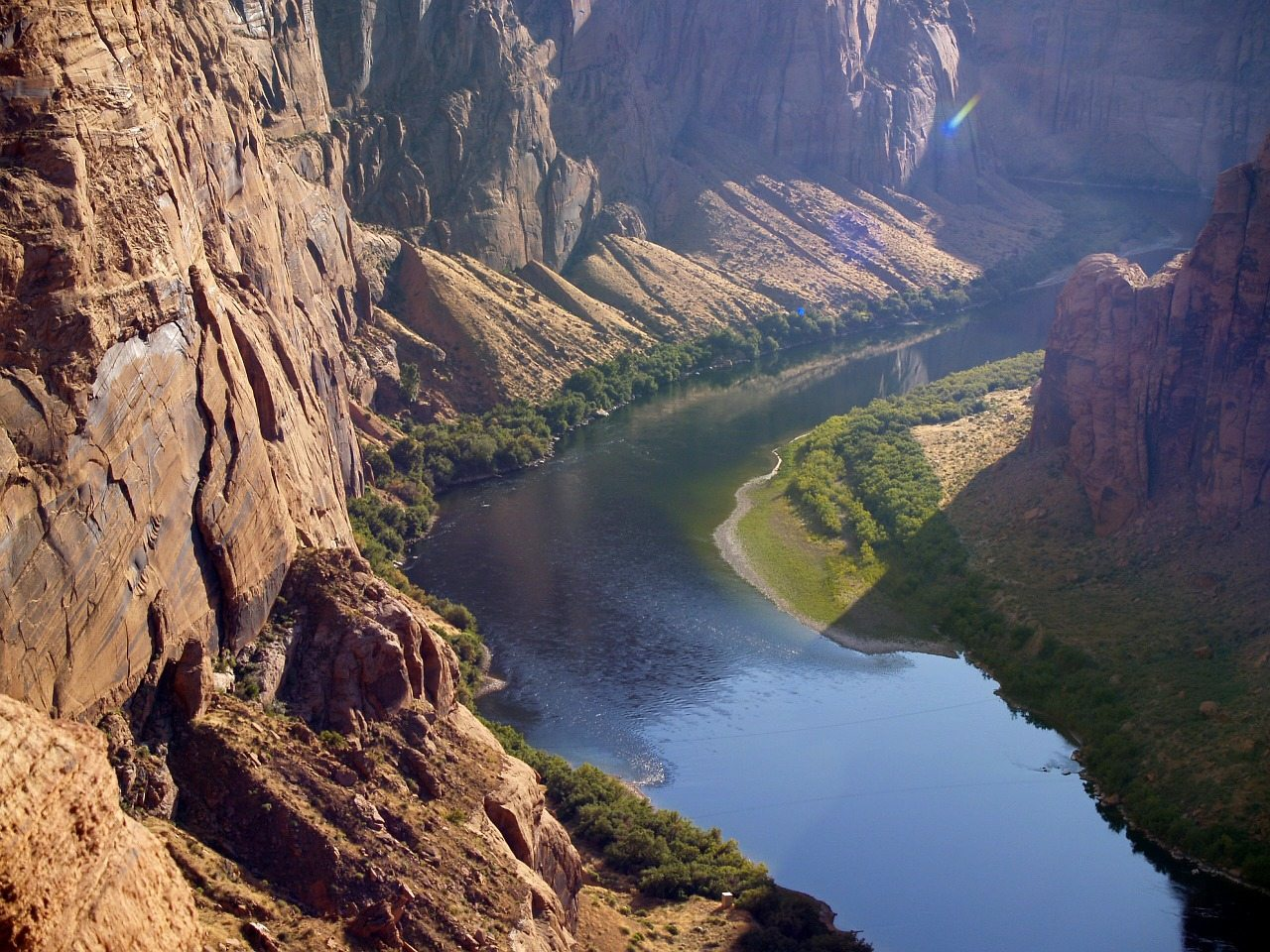 colorado river at glen canyon