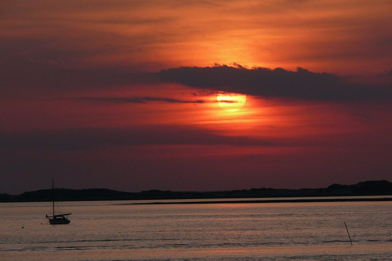 sunset-at cape cod