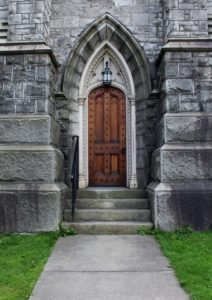 Front door of Christ Episcopal Church in Montpelier, VT
