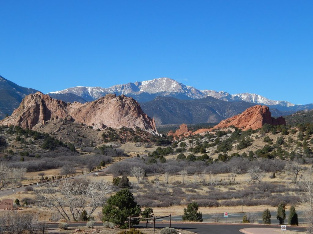 Blue sky and mountain view in Pikes Peak Colorado